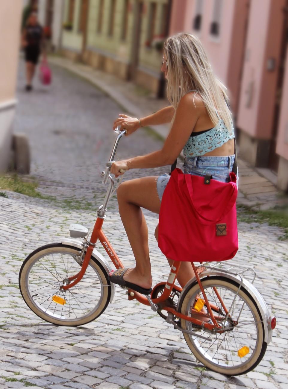 Na kole s Xiss taškou